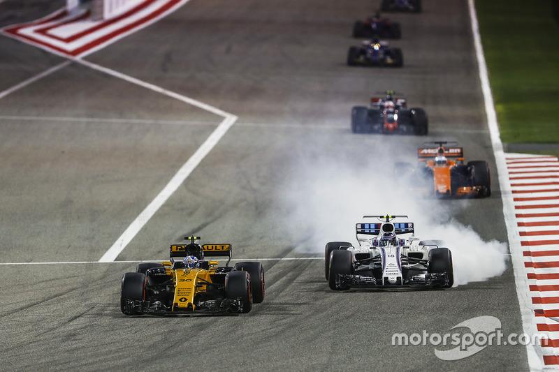 Jolyon Palmer, Renault RS 17, Lance Stroll, Williams FW40