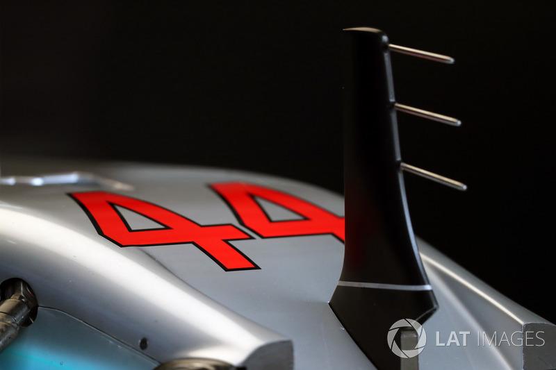 Mercedes F1 W08: Pitotrohr
