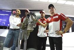 Claudio Domenicali, PDG de Ducati, Andrea Dovizioso, Ducati Team, Michele Pirro, Ducati Team, Jorge Lorenzo, Ducati Team