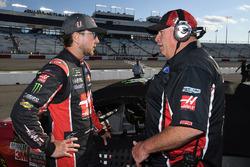 Kurt Busch, Stewart-Haas Racing Ford, mit Crewchief Tony Gibson