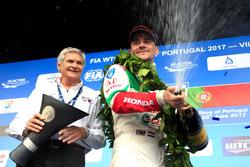 Norbert Michelisz, Honda Racing Team JAS, Honda Civic WTCC és Alessandro Mariani, a Honda Team JAS csapatfőnöke