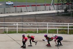 Rollerblader im Autodromo Hermanos Rodriguez in Mexico City