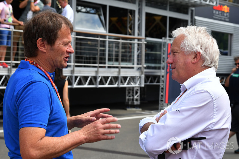 Charlie Whiting Gallery: Michael Schmidt, Charlie Whiting, FIA At GP De Austria