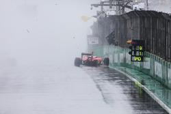 Kimi Raikkonen, Ferrari SF16-H, Choque