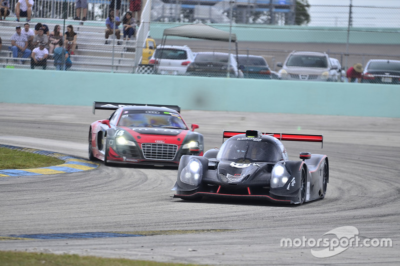 #121 FP1 Ligier LMP3 driven by Henry Gilbert & Ari Rivera of Classic Car Club Miami, #114 MP1A Audi