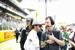 Fernando Alonso, McLaren, Mark Temple, Race Engineer, McLaren