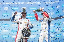 Podium: le vainqueur Mehdi Bennani, Sébastien Loeb Racing, Citroën C-Elysée WTCC, le troisième  Tom Chilton, Sébastien Loeb Racing, Citroën C-Elysée WTCC