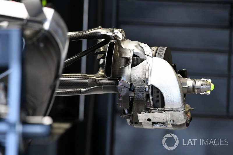 Mercedes-Benz F1 W08  rear wheel hub detail