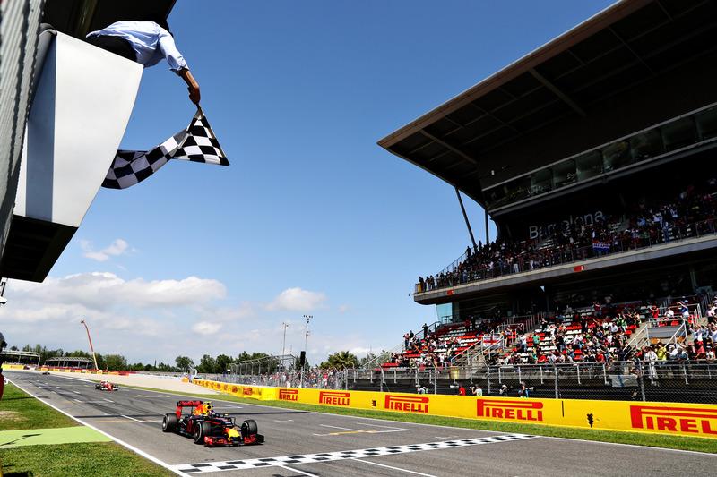 Макс Ферстаппен, Red Bull Racing, перемагає на Гран Прі Іспанії