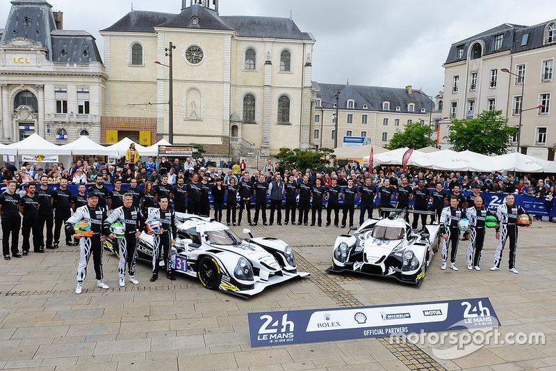 #31 Extreme Speed Motorsports Ligier JS P2 Nissan: Ryan Dalziel, Chris Cumming, Pipo Derani, #30 Extreme Speed Motorsports Ligier JS P2 Nissan: Scott Sharp, Ed Brown, Johannes van Overbeek