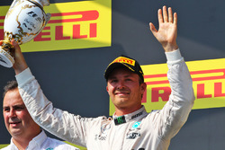 Podium: tweede Nico Rosberg, Mercedes AMG F1 Team