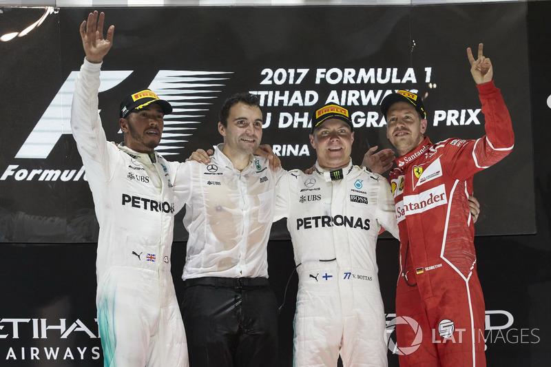 20º Podio del GP de Abu Dhabi 2017 - 2º Lewis Hamilton, Mercedes; 1º Valtteri Bottas, Mercedes; 3º Sebastian Vettel, Ferrari