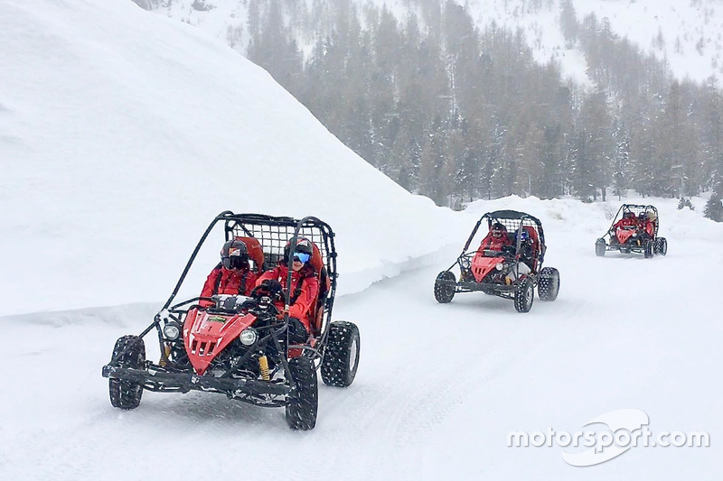 Розваги на снігу
