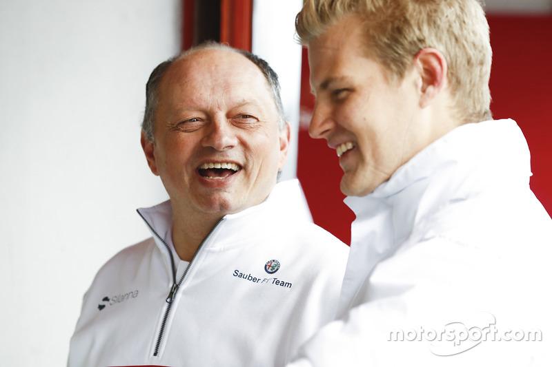 Frederic Vasseur, team principal Sauber, Marcus Ericsson, Sauber
