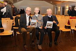 Die Autoren Peter Wyss und Stefan Lüscher mit dem Herausgeber Edi Engelberger