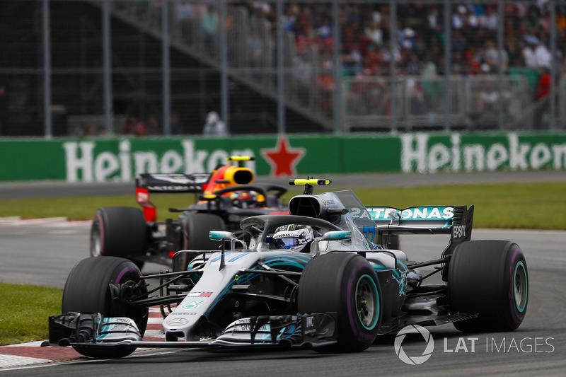 Valtteri Bottas, Mercedes AMG F1 W09, Max Verstappen, Red Bull Racing RB14