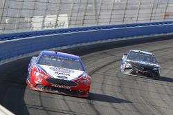 Joey Logano, Team Penske, Ford Fusion AAA Southern California and Erik Jones, Joe Gibbs Racing, Toyota Camry Sirius XM