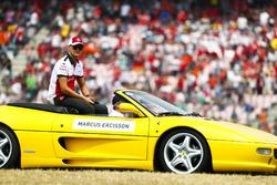 Marcus Ericsson, Sauber, tijdens de rijdersparade