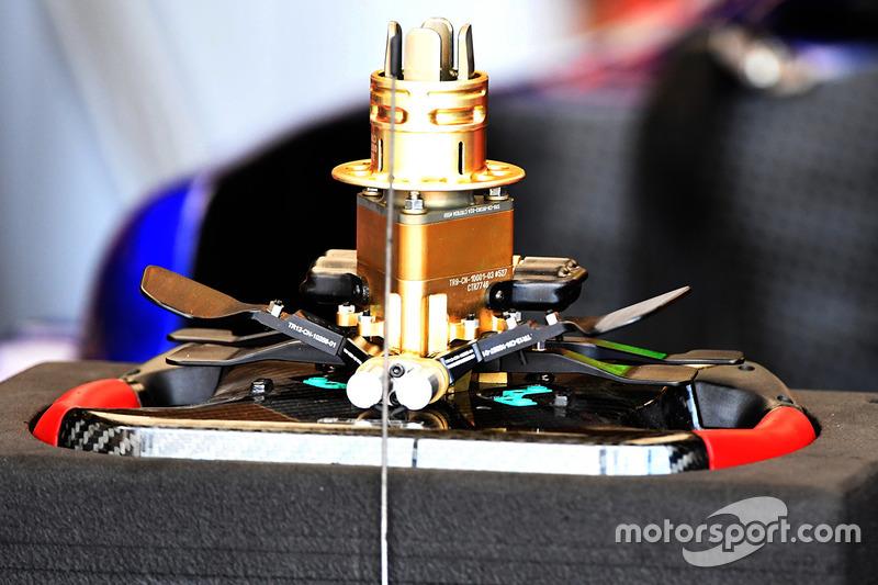 Scuderia Toro Rosso STR12, volante