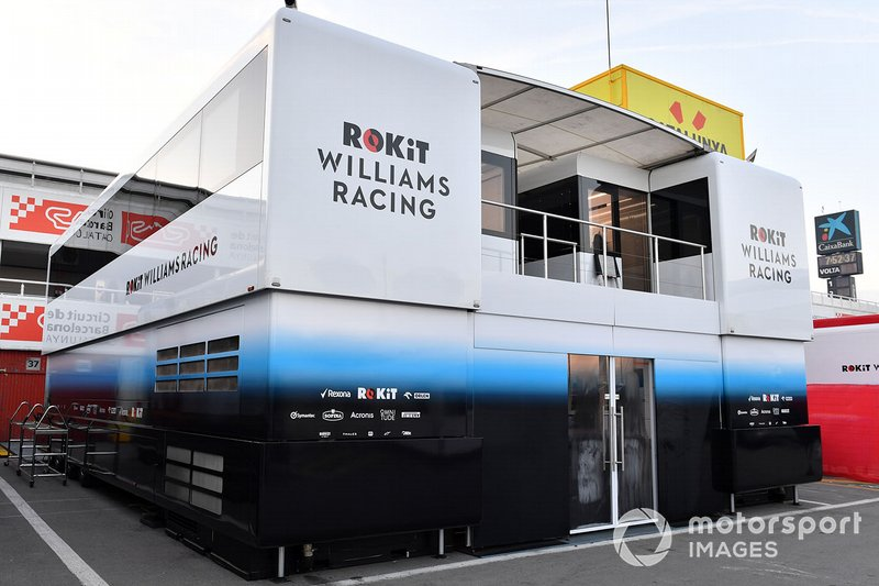 Williams Racing trucks and engineers rooms
