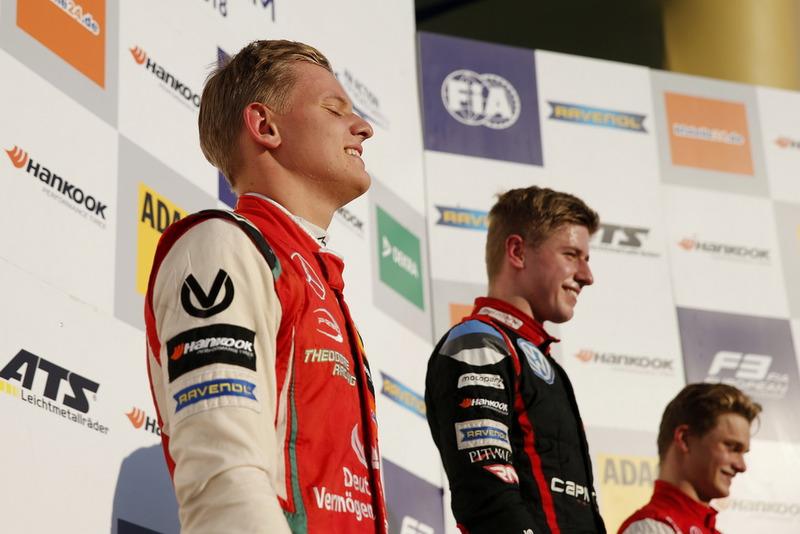 Podio Campeón Mick Schumacher, PREMA Theodore Racing Dallara F317 - Mercedes-Benz
