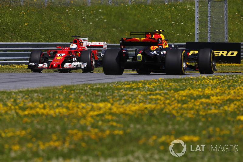 Sebastian Vettel, Ferrari SF70H, spini , Max Verstappen, Red Bull Racing RB13