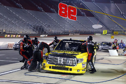 Grant Enfinger, ThorSport Racing Toyota pit stop