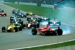 Аварія Міхаеля Шумахера, Ferrari F1 2000, Benetton Playlife, на старті