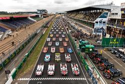 Gruppenfoto: Alle Autos für die 24h Le Mans 2017