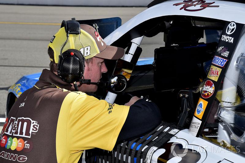 Kyle Busch, Joe Gibbs Racing Toyota, mit Interims-Crewchief Ben Beshore