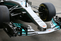 Носовой обтекатель и переднее антикрыло Mercedes-Benz F1 W08 Валттери Боттаса