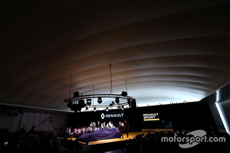 Kevin Magnussen, Renault F1 Team, Jolyon Palmer, Renault F1 Team and Esteban Ocon, Renault F1 Team