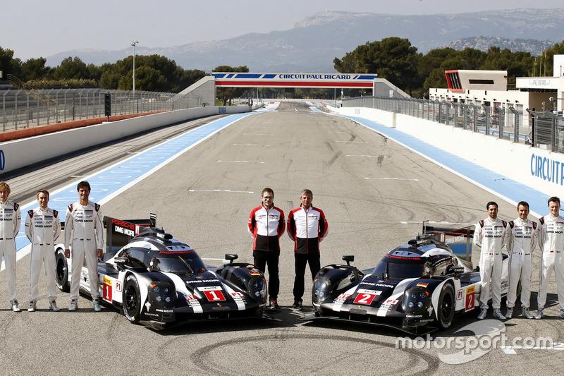Porsche Team: Brendon Hartley, Timo Bernhard, Mark Webber, Andreas Seidl, Team Principal; Fritz Enzinger, LMP1 Director; Neel Jani, Romain Dumas, Marc Lieb
