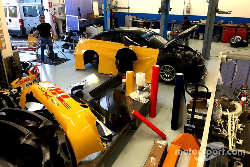Veel geel in de workshop