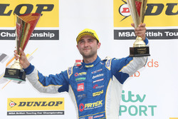 Podium: second place Andrew Jordan, Motorbase Performance