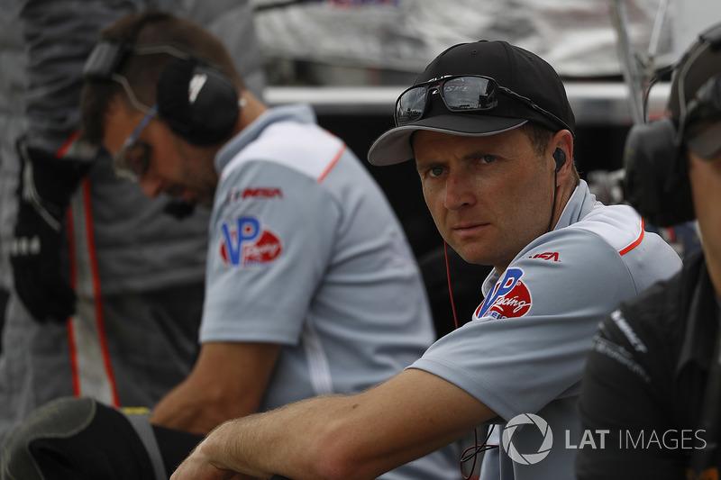 #7 Acura Team Penske Acura DPi, P: Helio Castroneves, Ricky Taylor, crew