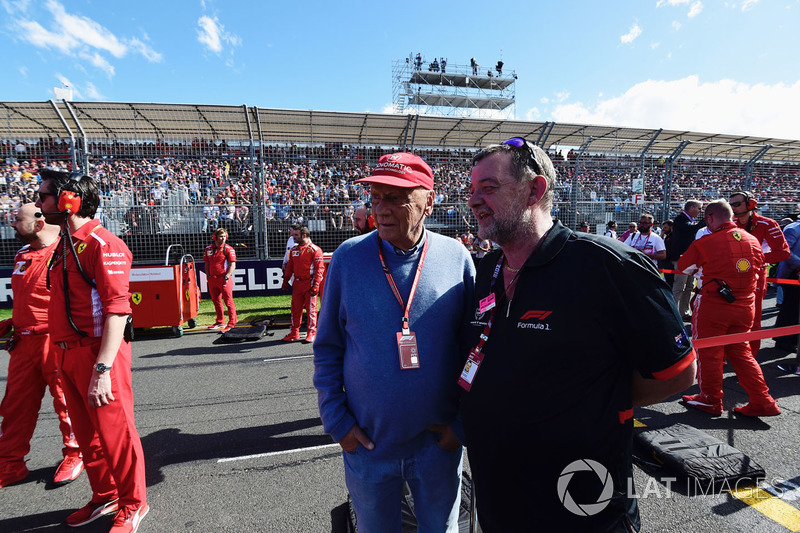 Niki Lauda, Mercedes AMG F1 Non-Executive Chairman and Paul Stoddart, on the grid