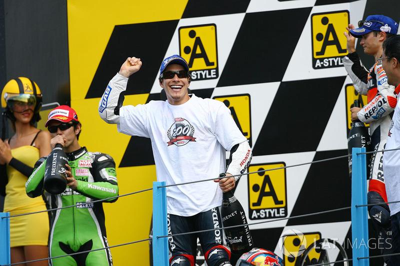 Podio: ganador de la carrera Nicky Hayden