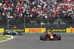 Max Verstappen, Red Bull Racing RB13 leads Valtteri Bottas, Mercedes-Benz F1 W08  at the start of the race