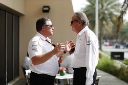 Zak Brown, Direktör, McLaren Technology Group,ve Mansour Ojjeh, hissedar, McLaren