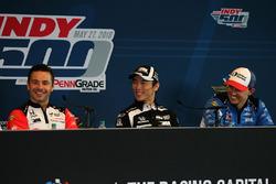 Oriol Servia, Scuderia Corsa with RLL Honda, Takuma Sato, Rahal Letterman Lanigan Racing Honda, Graham Rahal, Rahal Letterman Lanigan Racing Honda