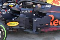 Red Bull Racing RB4, dettaglio dello specchietto