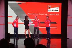 Давіде Тардоцці, керівник команди Ducati Team, Паоло Чіабатті, спортивний директор Ducati Corse, тестовий гонщик Ducati Мікеле Пірро