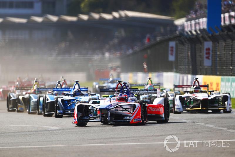 Felix Rosenqvist, Mahindra Racing, al inicio de la carrera