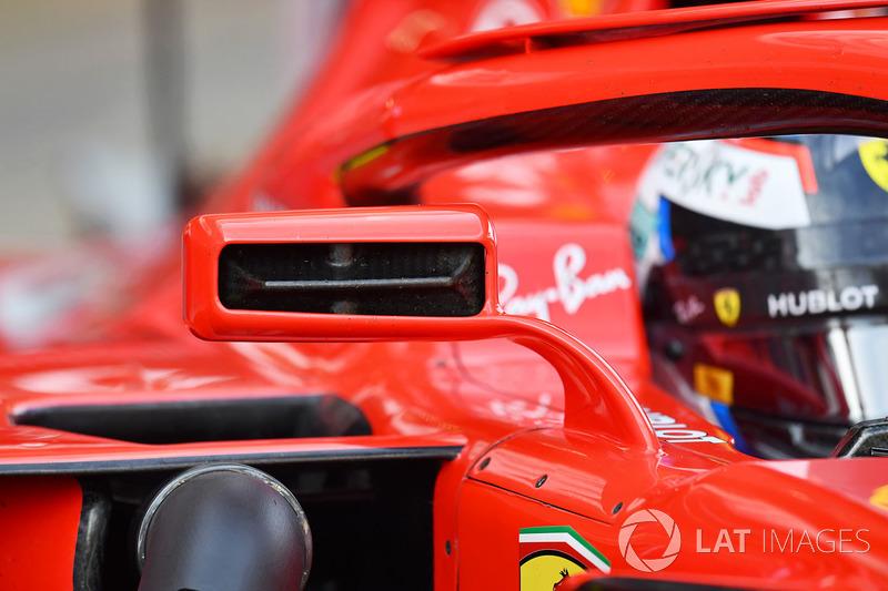 Kimi Raikkonen, Ferrari SF71H, dettaglio dello specchietto