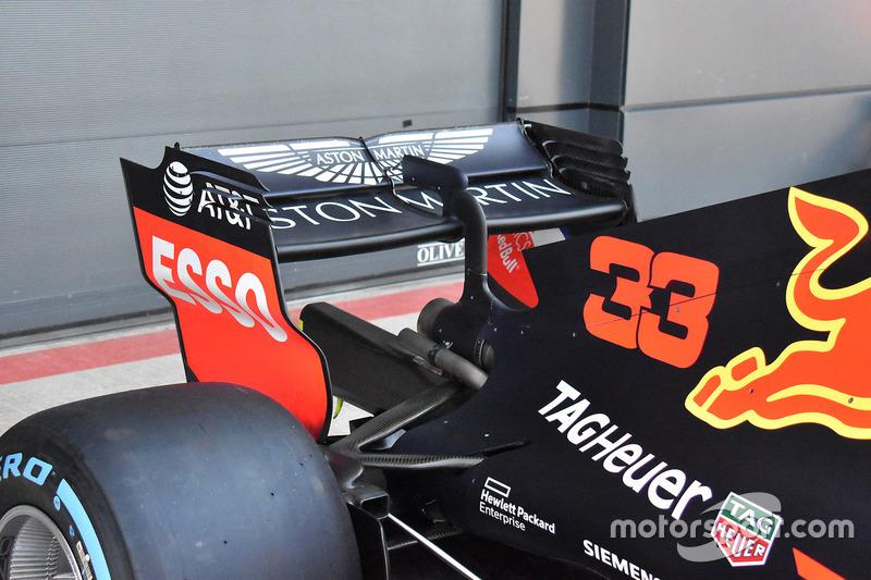 Red Bull Racing RB14, hátsó szárny