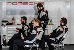 Manthey Racing Porsche mechanics
