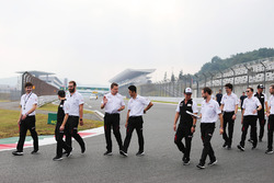 Mike Conway, Kamui Kobayashi, José María López, Toyota Gazoo Racing