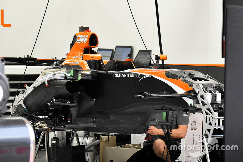 McLaren MCL32 chassis
