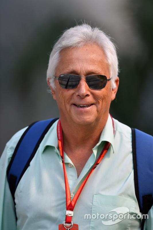 Bob Constanduros